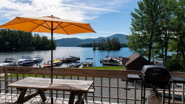 Lake George Hotel Suites - Newly Renovated Bayview Lakeside